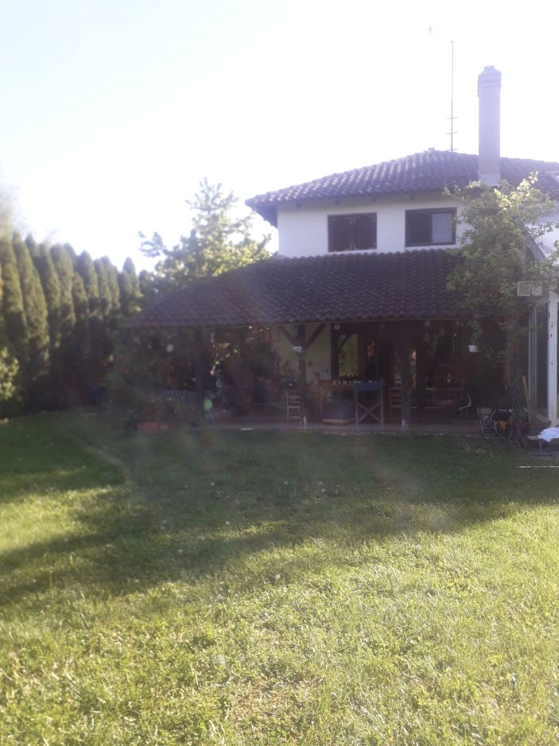 Obrenovac -  Naselje Gaj, kuća 200 m2 + 150 m2 tre